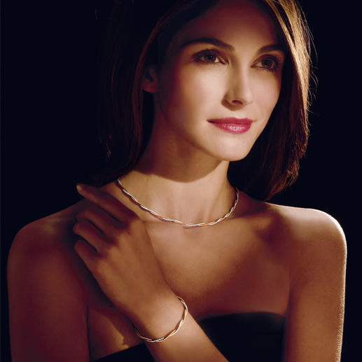"""Rot/Weiß-Goldschmuck """"Armband oder Collier"""" Kunstvoll mit hauchfeinen Goldfäden gefertigt. Perfekt ergänzt durch das passende Armband."""