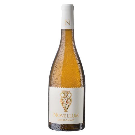 """Novellum Chardonnay 2017, Domaine Lafage, Roussillon, Frankreich """"…ein absolutes Schnäppchen für diesen Preis."""" 92 Punkte von Jeb Dunnuck*."""